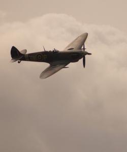 spitfire-1252722_1280