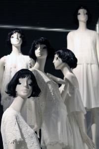 mannequin-1713336_1280-2
